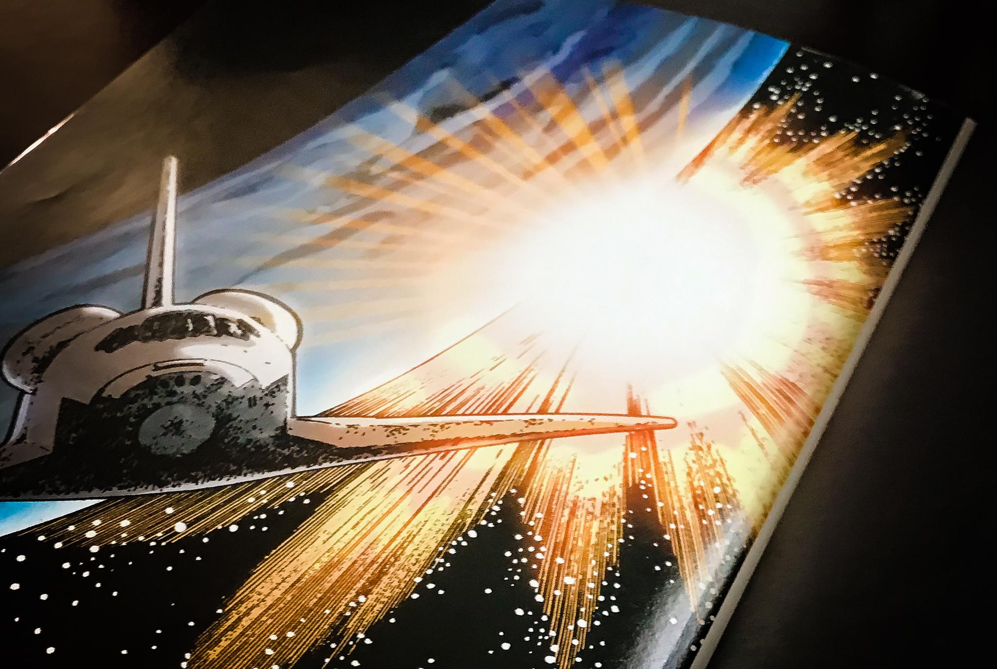 Review of Orbiter by Warren Ellis, Colleen Doran (Illustrator), Dave Stewart (Illustrator)
